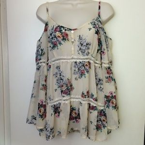 🎈3/$20 Mimi Chica Ivory Crochet Off Shoulder Top